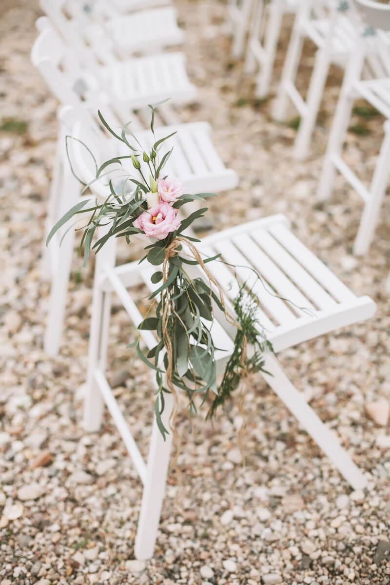 Hochzeitsdeko für die Trauung Stuhldeko