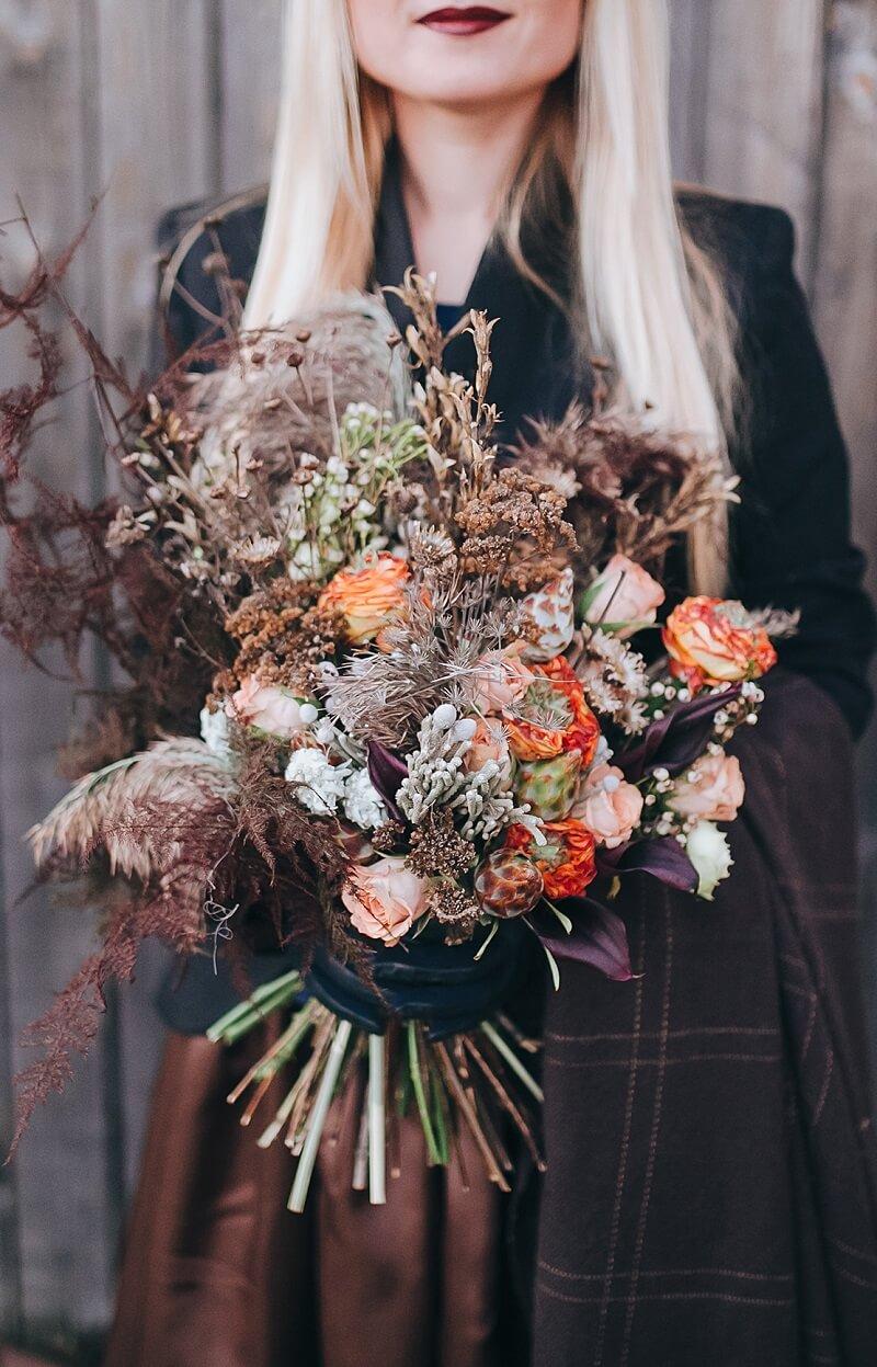 Brautstrauß in Braun