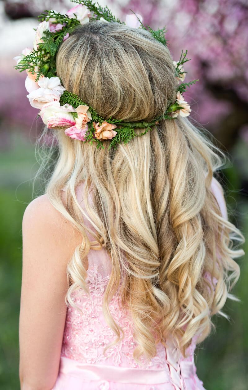 Brautfrisuren mit Blumen - 12 Ideen für Blumen im Haar
