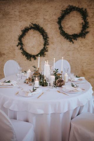 Hochzeit Tischdeko in Grün und Weiß