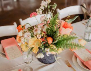 Sommerlich tropische Hochzeitsblumen