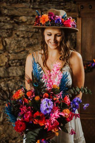 Brautstrauß bunt und wild