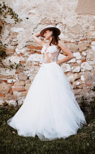 gewagtes Brautkleid mit durchsichtiger Spitze