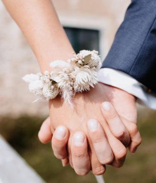 Brautschmuck aus Trockenblumen, Foto: Monika Pachler-Blaimauer, Blumen: Die Blumenagentur