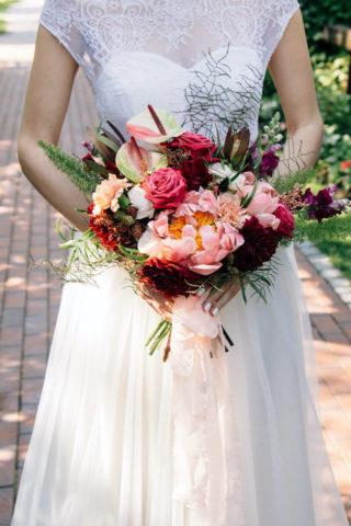 Brautstrauß in Rosa und Rottönen mit Anthurien