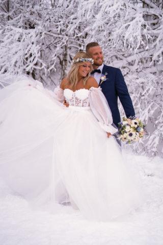 Brautkleid in Tüll mit abnehmbaren Ärmeln