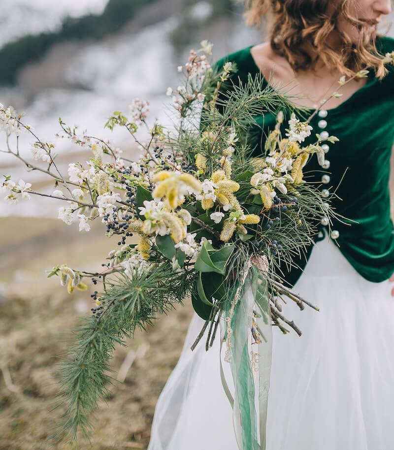 Brautstrauß grün und rustikal