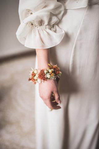 Braut Blumenarmband in Terrakotta