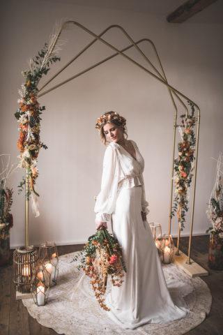 Natürliches Brautstyling mit Haarkranz