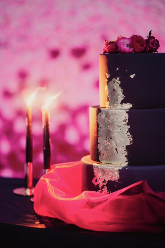 Edgy meets Pink: Rockige Hochzeit - Hochzeitstorte