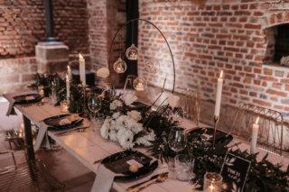Elegant rustikale Hochzeit - Greenery Tischdeko mit Teelichtern