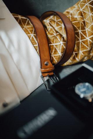 Hochzeit auf einem Schiff - Getting Ready Bräutigam