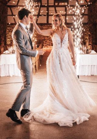 Intimate Wedding Hochzeitskiste Brautkleid