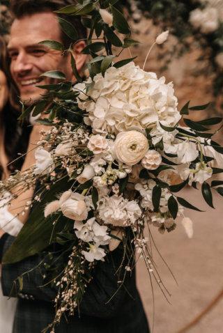 Highland-Hochzeit - Brautstrauß weiß und grün