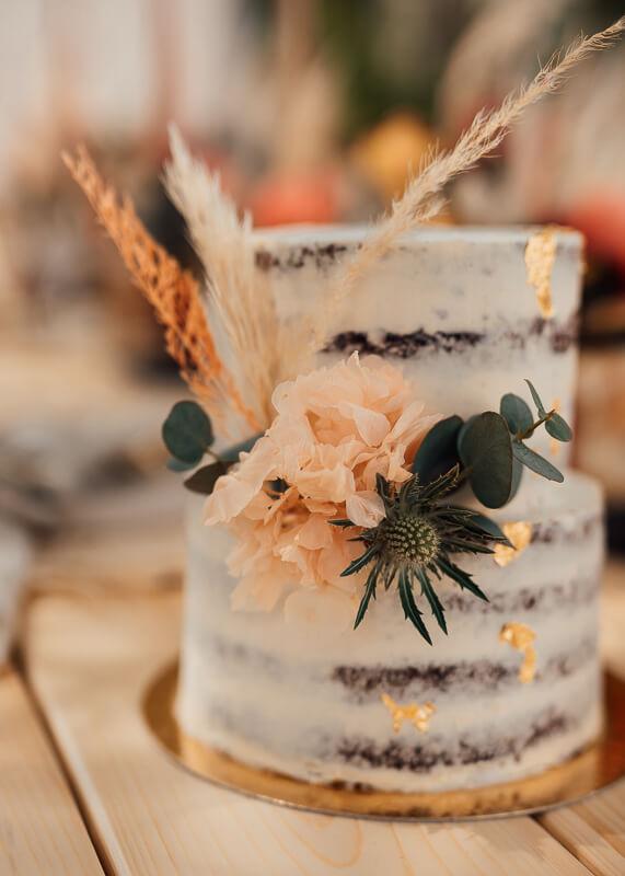 Rustic Boho meets Spring Vibes - Hochzeitstorte