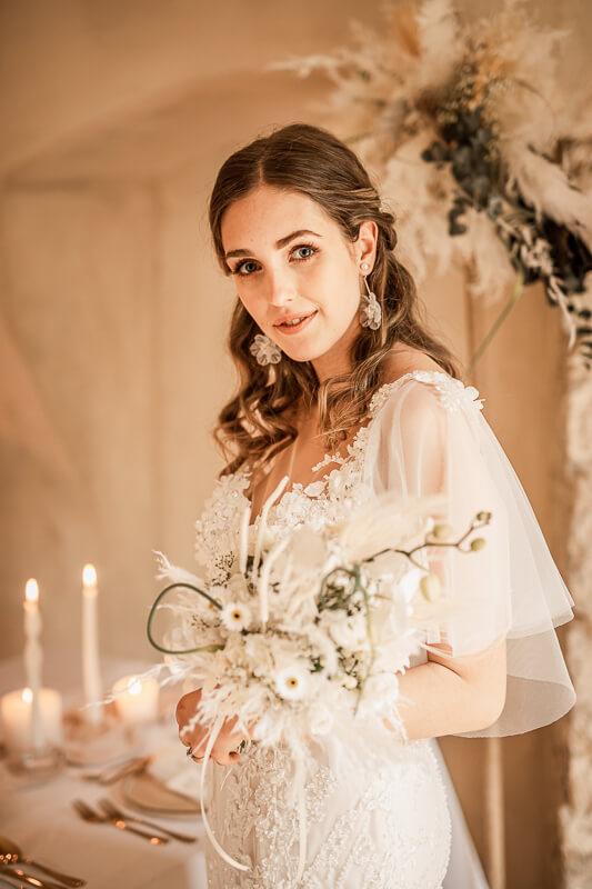 Cream White Boho Dream - Brautstyling