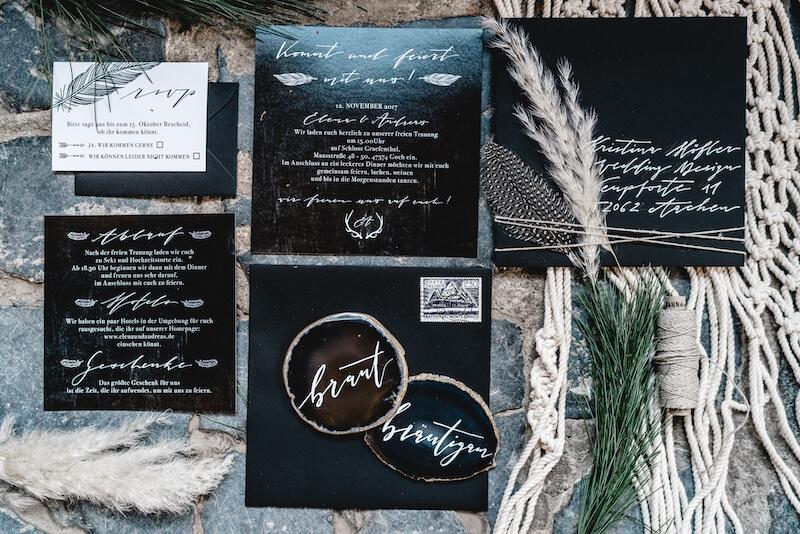 Einzigartige Hochzeitseinladungen - dramatic black
