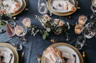 Hochzeit mit Baby-Gender-Reveal-Party - Tischdeko