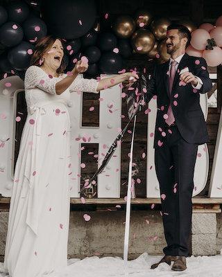 Hochzeit mit Baby-Gender-Reveal-Party_carousel