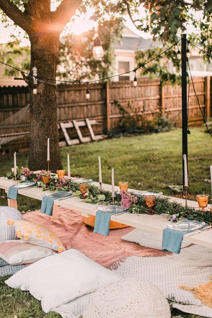 Picknickplätze für eine Gartenhochzeit