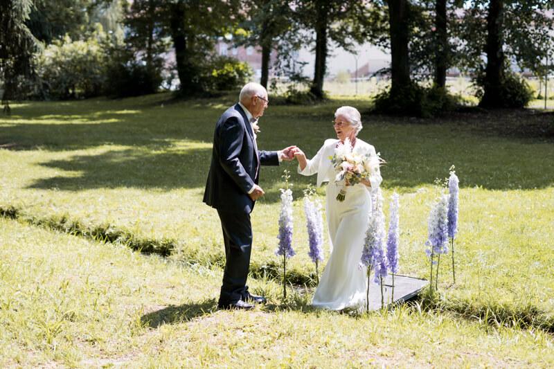 Eheversprechen erneuern - Brauteinzug
