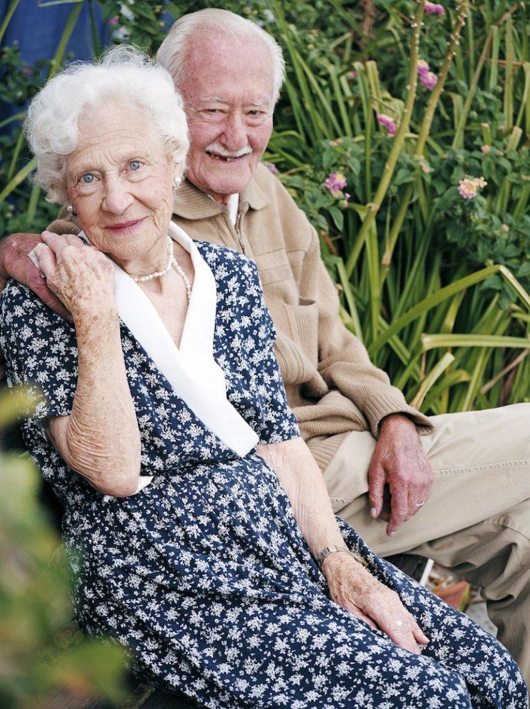 10 Tipps für eine glückliche Ehe - glückliches Paar
