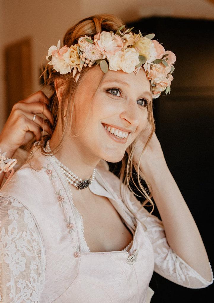 Brautstyling in Tracht - Trachtenschmuck